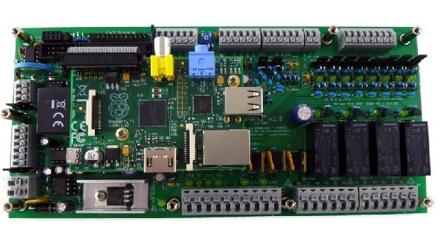PiXtend vervielfacht die Anschluss- und Einsatzmöglichkeiten des Raspberry Pi.