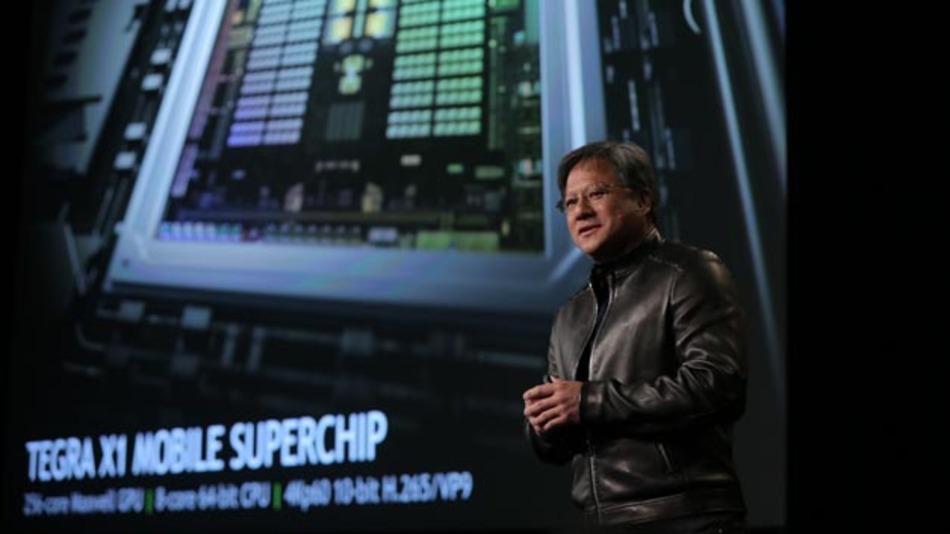 Nvidias CEO Jen-Hsun Huang bei der Vorstellung des Tegra-X1 sowie der Drive PX und Drive CX auf der CES 2015.