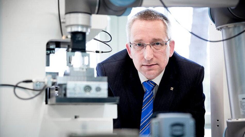 Dr. Volker Franke, Harting Applied Technologies: »Das 'FlexiMon' Projekt soll Fertigungslinien in der Montage zu einer neuen Generation intelligenter technischer Systeme führen.«