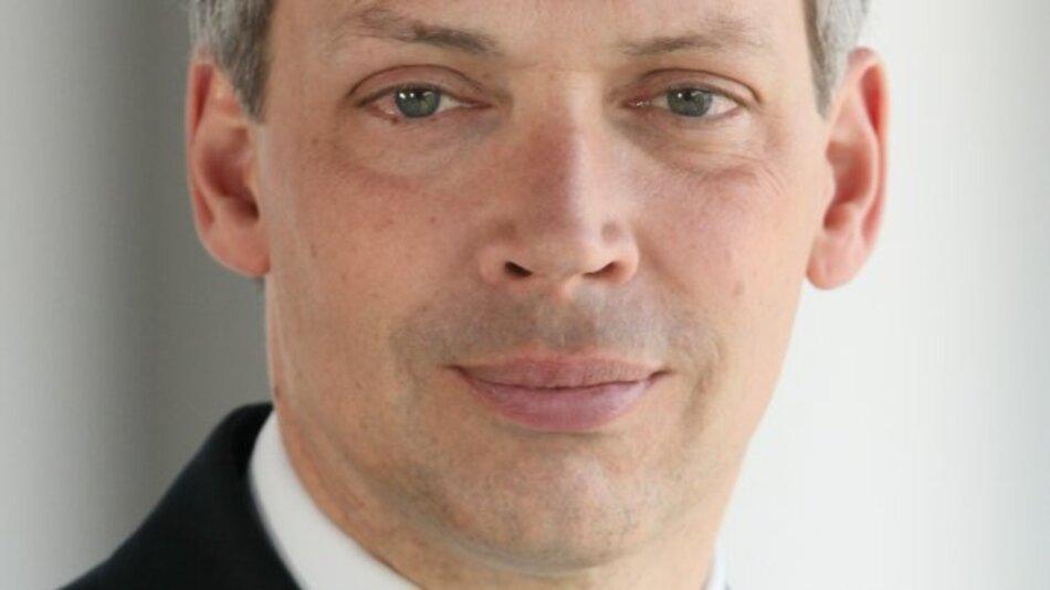 Dr. Julian Weber, Leiter Innovationsprojekte E-Mobilität bei BMW, hält am 5. März 2015 die Keynote auf dem DESIGN&ELEKTRONIK Entwicklerforum Batterien & Ladekonzepte.
