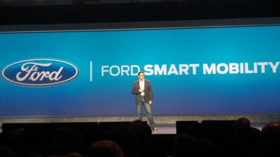 In einer der vier Keynotes präsentierte der neue Ford-Chef Mark Fields seine Vision von Smart Mobility, bei der es vor allem um die nahtlose Vernetzung aller Verkehrsteilnehmer und –transportmöglichkeiten geht.