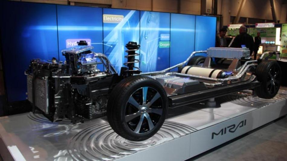 Den Aufbau des Mirai-Chassis konnten die CES-Besucher am Stand von Toyota genauer in Augenschein nehmen.