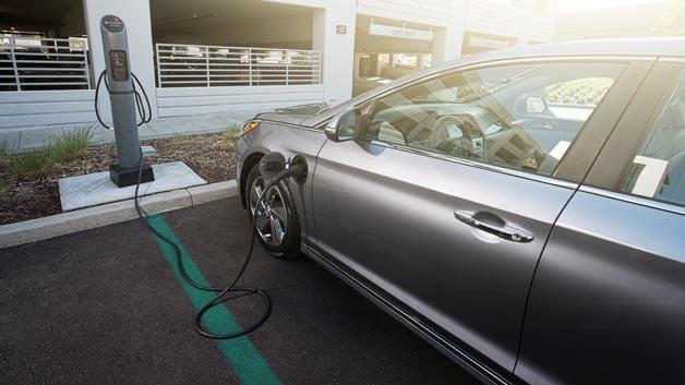 Erster Plug-In-Hybrid aus dem Hause Hyundai: der Sonata.