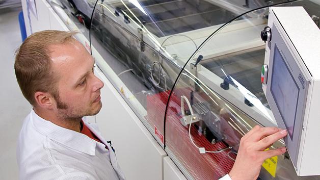 Das Design elektronischer  Baugruppen wird immer häufiger vom Miniaturisierungstrend bestimmt. Damit steigen auch die Anforderungen an die Prozessführung der Wellenlötanlage.