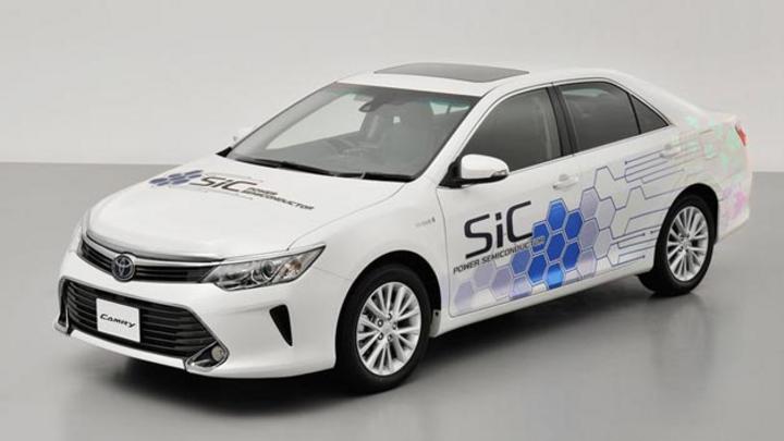 Im Camry Hybrid und in einem Brennstoffzellenbus will Toyota noch in diesem Jahr den Einsatz von SiC-Leistungshalbleitern testen.