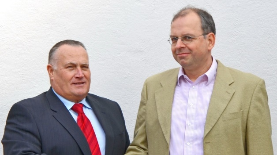 Rolf Aschhoff, Director Sales & Marketing SE Spezial-Electronic und Dr. Hansjürgen Dreuth, Geschäftsführer der Firma Simplify Technologies