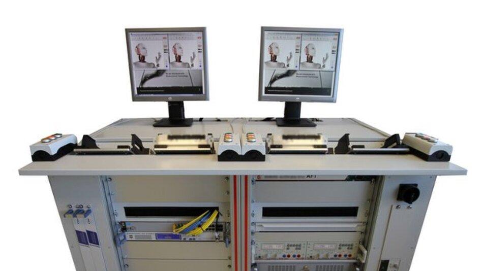 Vier auf einen Streich: Alle Testschritte können parallel, asynchron und unabhängig voneinander an vier Stationen durchführt werden.