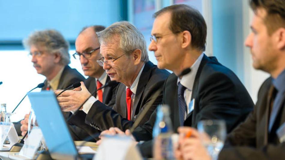 Eröffnungspressekonferenz mit Prof. Dr. Karlheinz Blankenbach, Caspar Grote, Prof. Dr.-Ing. Matthias Sturm, Richard Krowoza, Berthold Brackemeier (v.l.n.r.)
