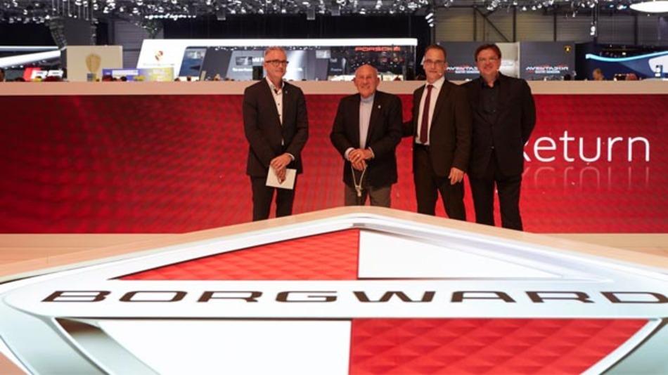 Einar J. Hareide, Chefdesigner Borgward AG, Sir Stirling Moss, Christian Borgward, Präsident des Aufsichtsrates und Karlheinz L. Knöss, Vizepräsident des Aufsichtsrates bei der Comeback-Verkündung auf dem Genfer Auto-Salon 2015 (von links nach rechts).
