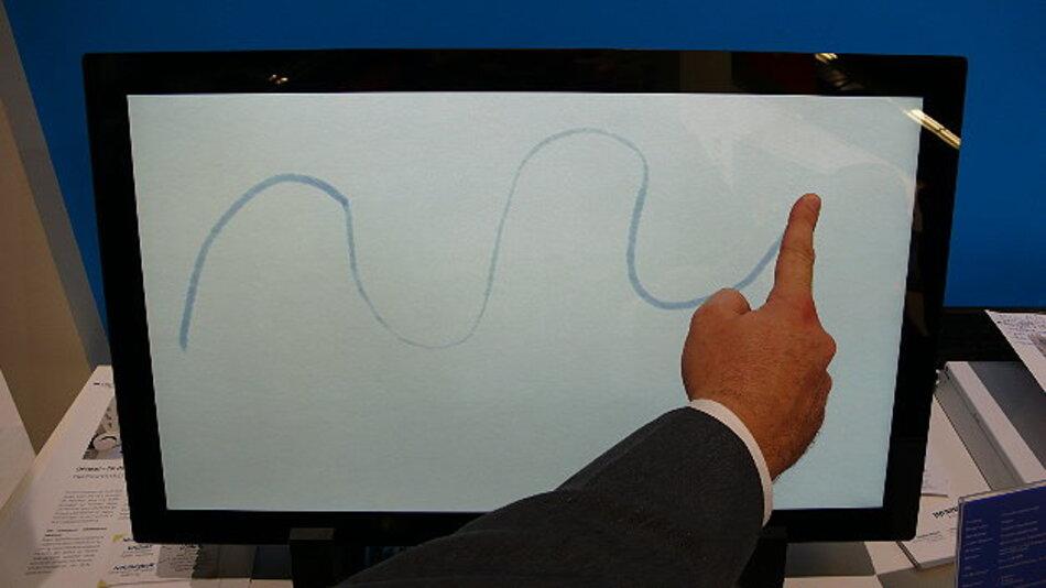 Über eine Druckstärkenerkennungs-Funktion verfügt der Multitouch-Panel-PC »OPtipad« von Pyramid Computer.