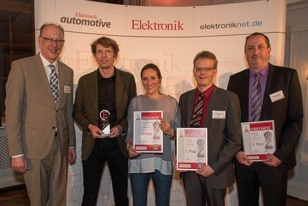 Elektronik-Redakteur Joachim Kroll mit allen Embedded-Design-Preisträgern (v.l.n.r.): Manfred Garz, Luisa Kusserow, Dr. Claus Abicht, Kurt Buchberger.