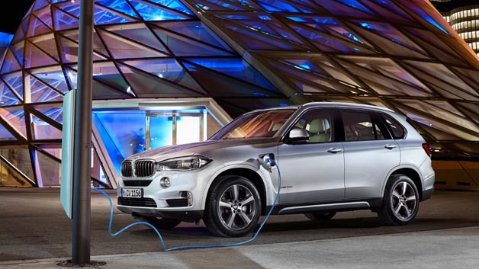 Plug-in-Hybrid-Serienautomobil BMW X5 xDrive40e