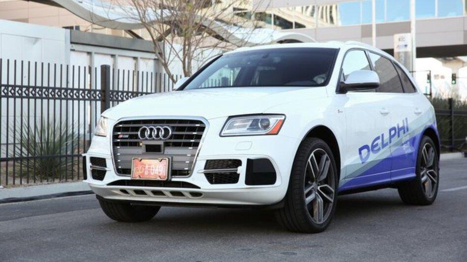 Zur Erprobung des autonomen Fahrens setzt Delphi einen mit modernsten Fahrerassistenzsystemen ausgestatteten Audi SQ 5 ein.