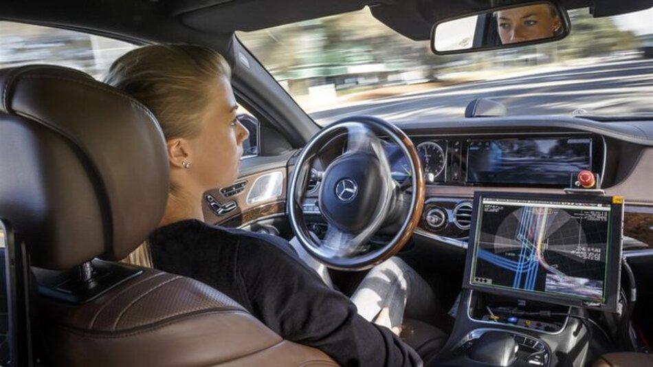 Neben der Hybrid-Technologie steht das Thema autonomes Fahren bei Daimler im Fokus der Mobilität der Zukunft.