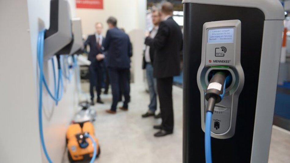Die MobiliTec versteht sich als internationale Leitmesse für hybride und elektrische Antriebstechnologien, mobile Energiespeicher und alternative Mobilitätstechnologien.