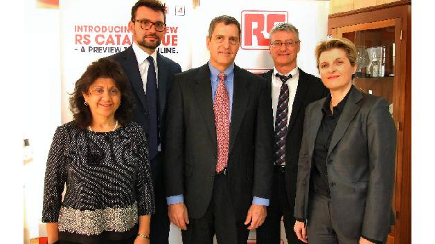 (von links nach rechts): Arpineh Mullaney, FLIR Systems; Marco Nibioli, FLIR Systems; Thomas J. Scanlon, FLIR Systems; Ian Thomson, RS Components; Valerie Ramon, RS Components.