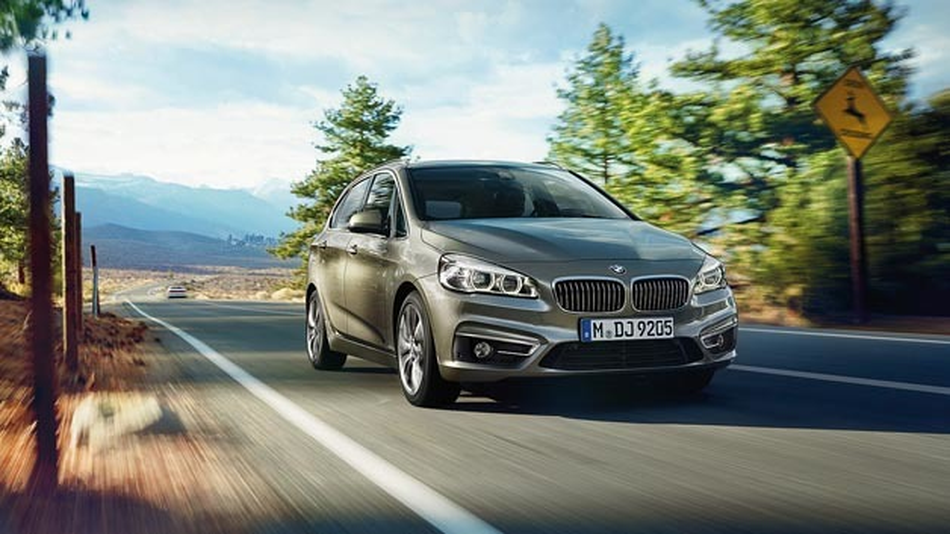 BMW setzt im 2er Active Tourer MOST-Technologie für Infotainment-Systeme ein.