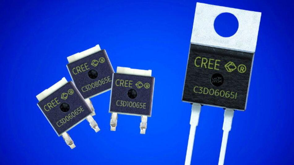 Mit ihrem kleinen Footprint können die drei 650-V-SiC-Schottky-Dioden (links) SiC-Schottky-Dioden-Baugruppen für Durchsteckmontage überflüssig machen und ermöglichen damit kompaktere 650-V-Designs.