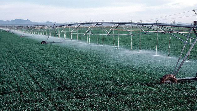 Bild 1. Jeder Sensor in modernen Automationsanlagen, z.B. in der hier dargestellten Feldbewässerungsanlage, könnte in Zukunft seine eigene IP-Adresse haben.