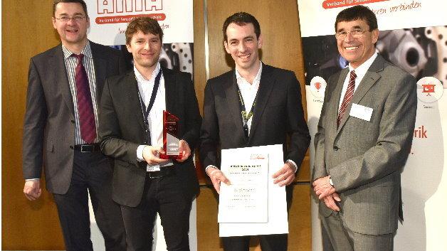 Die Gewinner des AMA Innovationspreis 2015: (v.l.) Prof. Andreas Schütze (Uni. Saarland), Dr. Christoph Deutsch (Crystalline Mirror Solutions GmbH), Dr. Christian Pawlu (Crystalline Mirror Solutions GmbH), Wolfgang Wiedemann (AMA Verband)
