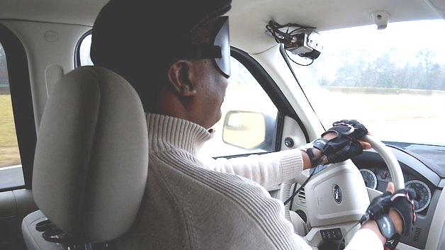 Eine spezielle Kamera liefert blinden Fahrern in Verbindung mit anderen Systemen genügend Informationen, um selbstständig ein Fahrzeug zu steuern.