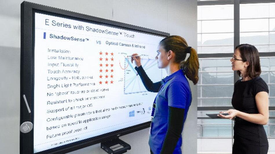 Bei NECs Large-Format-Displays E705 SST (70 Zoll) und E805 SST (80 Zoll) sind dank ShadowSense-Touch-Technologie bis zu sechs Berührungspunkte für interaktives Lernen nutzbar.