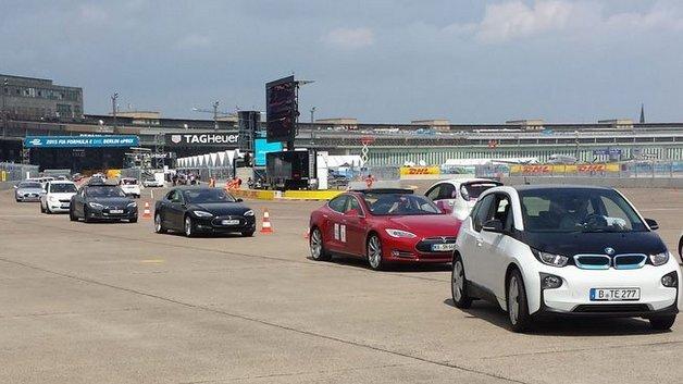Nur ein kleiner Ausschnitt aus der langen Parade der Elektrofahrzeuge.