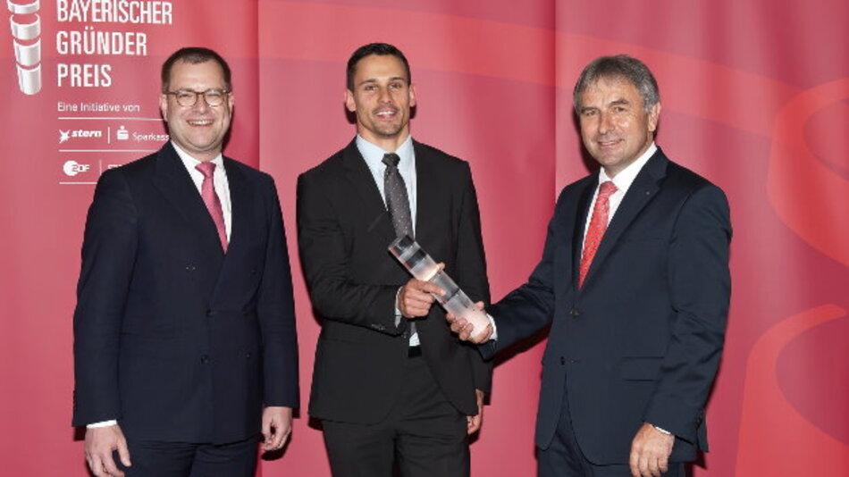 Clemens Launer erhält den Bayerischen Gründerpreis 2015 für die iNDTact GmbH aus Würzburg
