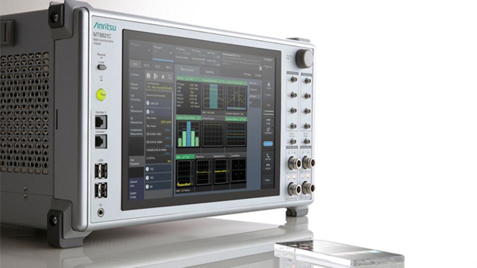 Der neue MT8821C von Anritsu ermöglicht Tests von Mobilgeräten nach LTE-Advanced-Standards.