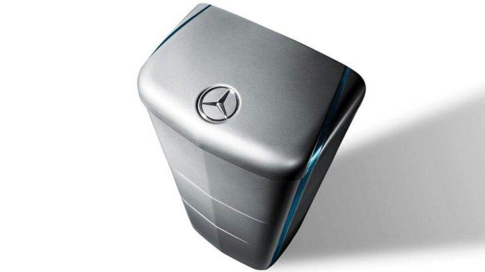 Aus dem Auto ans Netz: Mercedes-Benz Energiespeicher eignen sich auch für die private Nutzung zur Zwischenspeicherung von überschüssigem Strom.