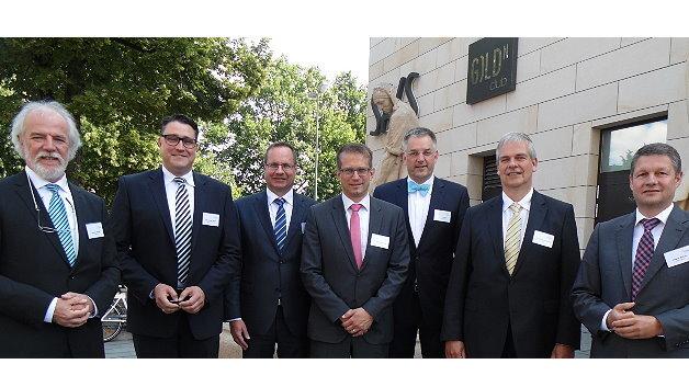 Der neue Vorstand des VDMA-Fachverbands Automation (v.l.n.r.): Gunther Klima, Oliver Karl Stöckl, Martin Kram, Dr. Thomas Bürger, Gerd Hoppe, Dr. Georg Plasberg und Jürgen Siefert. Es fehlen Florian Hermle und Thomas Pilz.