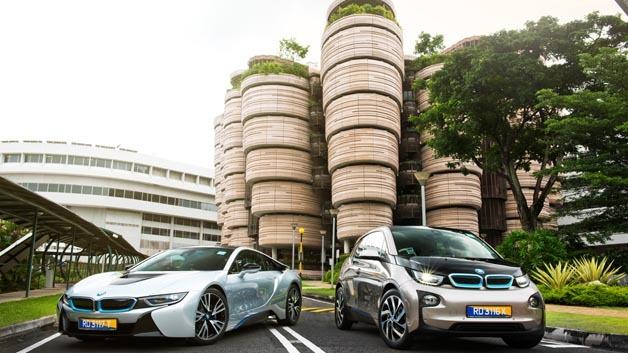 BMW stellt der Nanyang Technological University einen i3 und i8 für gemeinsame Forschungen zur Verfügung.
