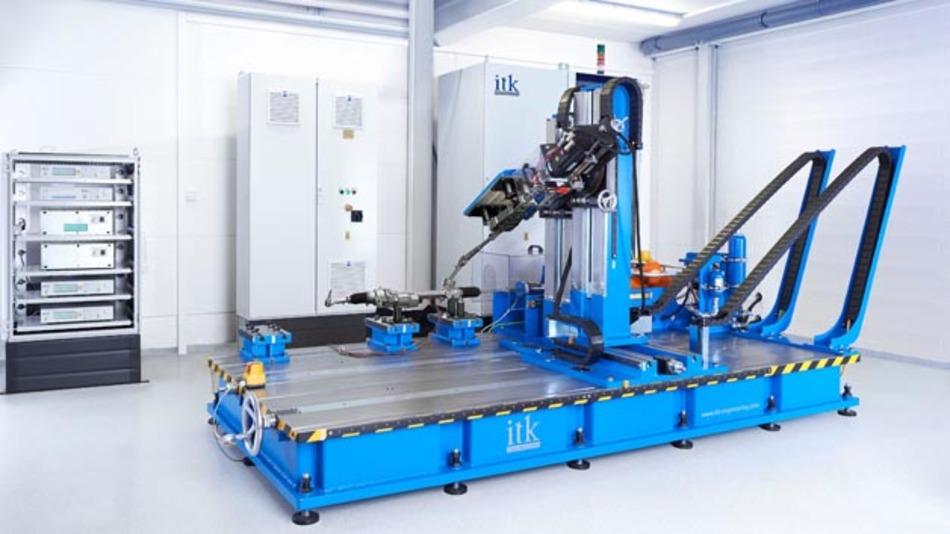Lenkungs-Prüfstand von ITK Engineering