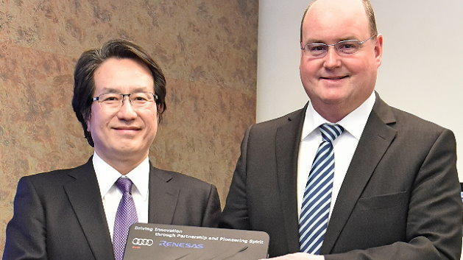 (von links nach rechts): Ryuji Omura (Executive Vice President von Renesas Electronics) und Ricky Hudi (Leiter Entwicklung Elektrik/Elektronik bei Audi)