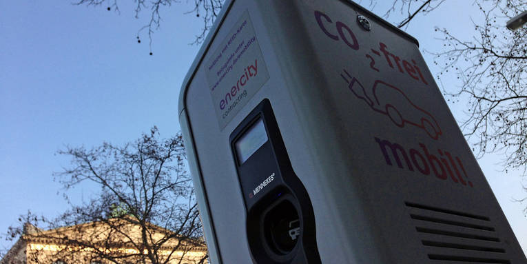 Ladestation für Elektrofahrzeuge am Opernplatz in Hannover