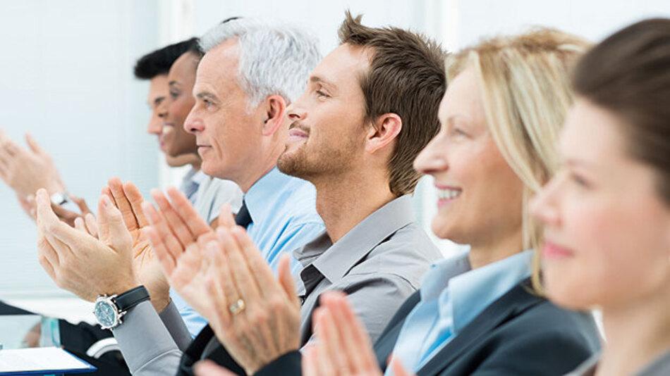 Stets dankt es einem das Publikum, wenn der Absender schnell und treffend auf den Punkt kommt.