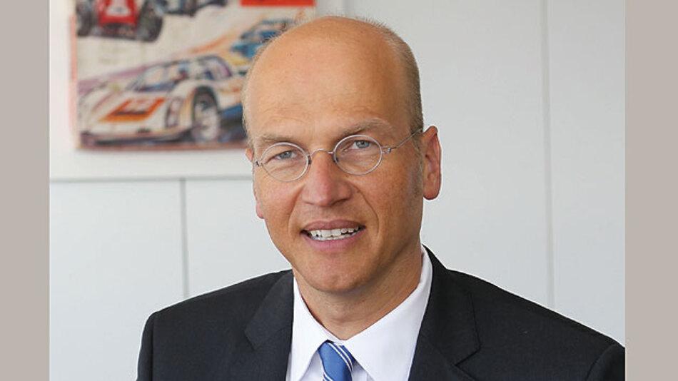 Harald Kröger, Entwicklungsleiter bei Daimler: Leiter Entwicklung E/E & E-Drive Mercedes-Benz Cars bei Daimler.