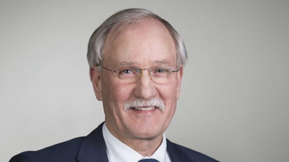 Lothar Hellmann, Präsident des Zentralverbands der Deutschen Elektro- und Informationstechnischen Handwerke (ZVEH).