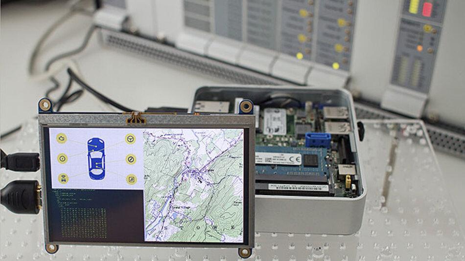 Der Demonstrator für eine »Head Unit« schützt sowohl Daten des Herstellers als auch private Daten des Fahrzeugnutzers vor unberechtigtem Auslesen.