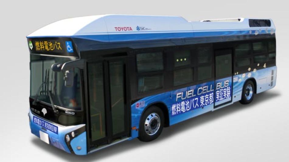 Toyotas Brennstoffzellenbus ist seit Anfang 2015 in Toyota City unterwegs und hat nun auch einen Praxistest auf den Straßen von Tokio bestanden.