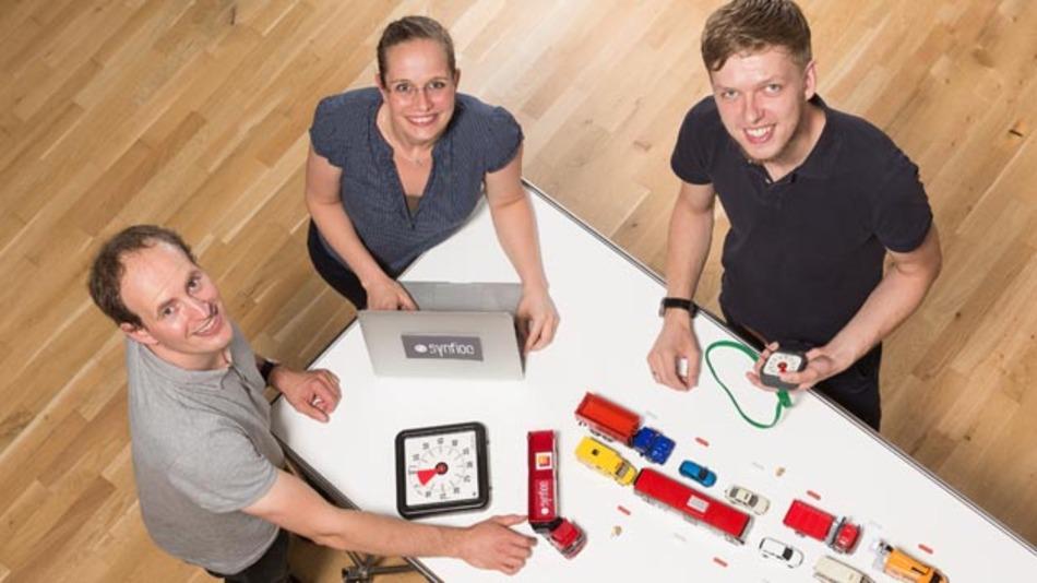 Die drei HPI-Forscher, die das Synfioo-Softwaresystem für effizientere Logistiksteuerung entwickelten: Andreas Meyer, Dr. Anne Baumgraß und Marian Pufahl (v.l.n.r.).