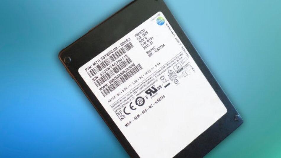 Das SAS SSD PM1633 ist 2,5 Zoll groß, erreicht  12 GBit/s und steht mit Kapazitäten bis 3,84 TByte zur Verfügung.