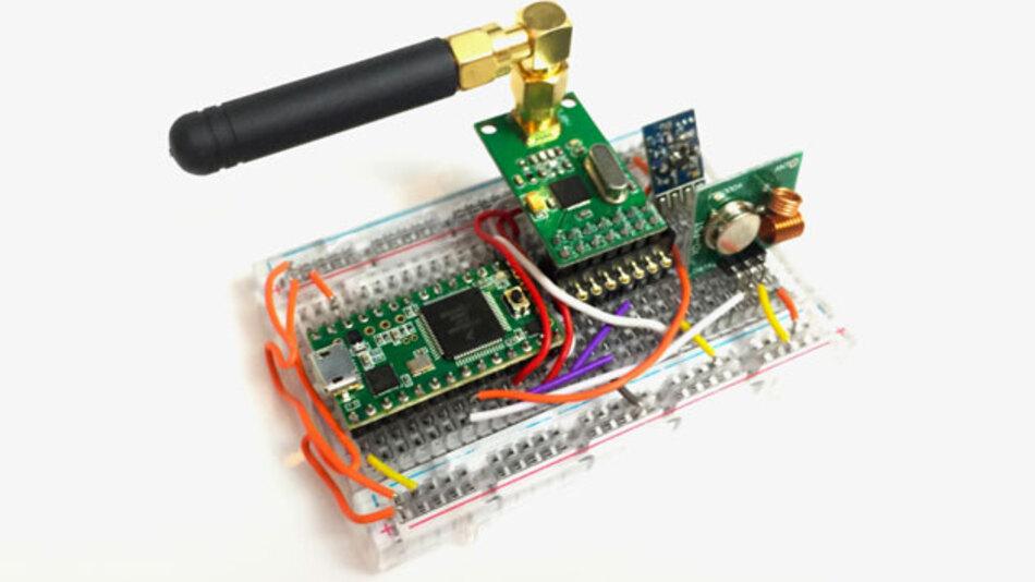 Komponenten im Wert von 32 US-Dollar und Know-how stecken im RollJam, mit dem ein Hacker angeblich die Funkschlösser verschiedener Automodelle überlisten konnte.