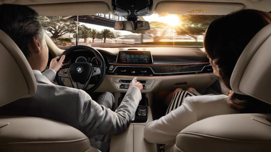Moderne Fahrerassistenzsysteme sowie vernetzte und teilautomatisierte Fahrfunktionen sind die Treiber für den Anstieg von Halbleitern im Automobilsektor.