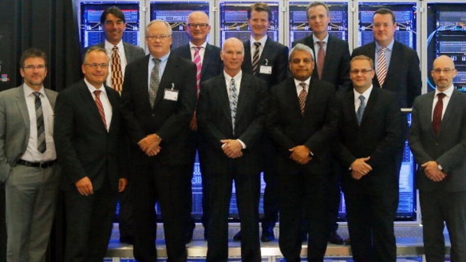 Um die Partnerschaft mit konkreten Maßnahmen umzusetzen, fand bei Rittal in Herborn ein Workshop mit dem IBM-Topmanagement und Global Offering aus USA und Europa und dem Topmanagement von Rittal statt.  Neben der strategischen Abstimmung stand die Definition einer detaillierten Roadmap zur Umsetzung der Partnerschaft in den Ländern auf der Agenda. Dazu gehörte auch die Abstimmung von Maßnahmen bei den Zielkunden und bei großen internationalen Projekten.
