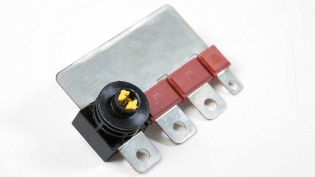 Der pyrotechnische Schalter von Leoni ist für eine Integration in elektromechanische Komponenten wie etwa Vorsicherungsdosen konzipiert.