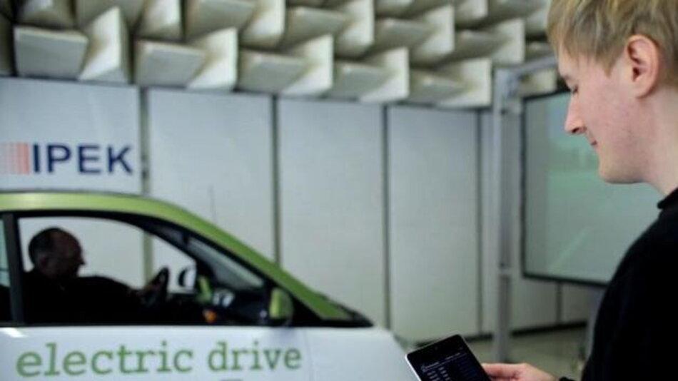 Das Elektroniksystem ELISE stellt Fahrzeugdaten in Echtzeit und kabellos zur Verfügung.