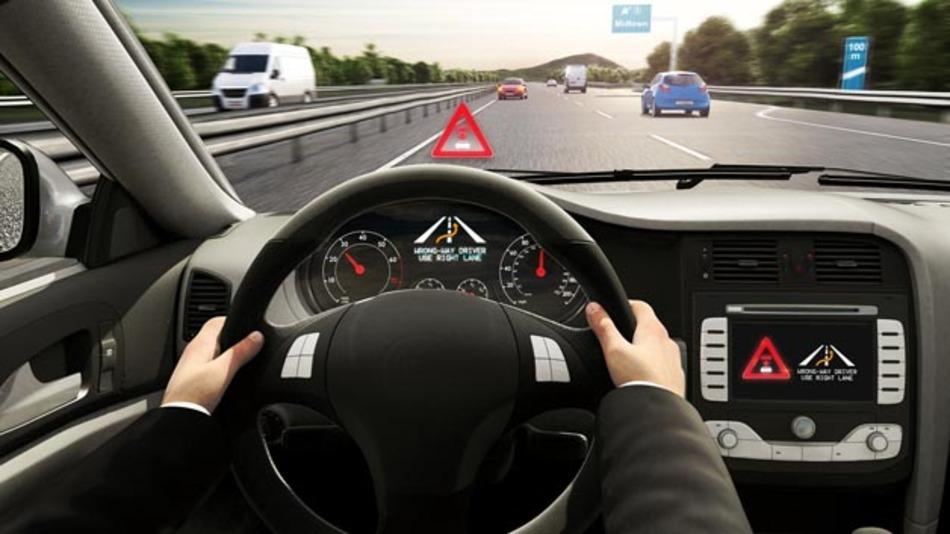 Bosch entwickelt eine cloudbasierte Falschfahrerwarnung, die Geisterfahrer schnell erkennt und die anderen Autofahrer rechtzeitig warnt.