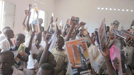 Humanitäres Projekt in konfliktfreier Bergbaugemeinde
