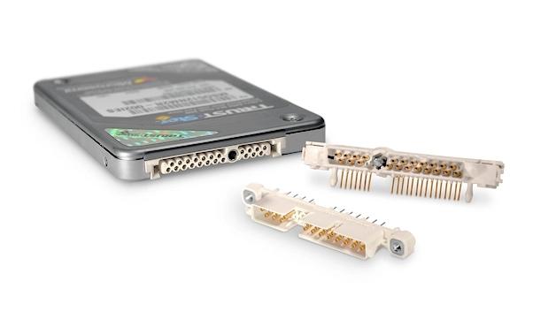 Steckverbinder für hochzuverlässige SATA Anwendungen